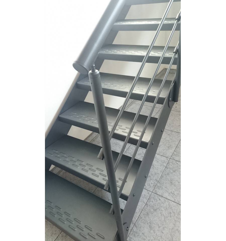 Escalera de tramos smart escaleras for Escalera de metal con descanso