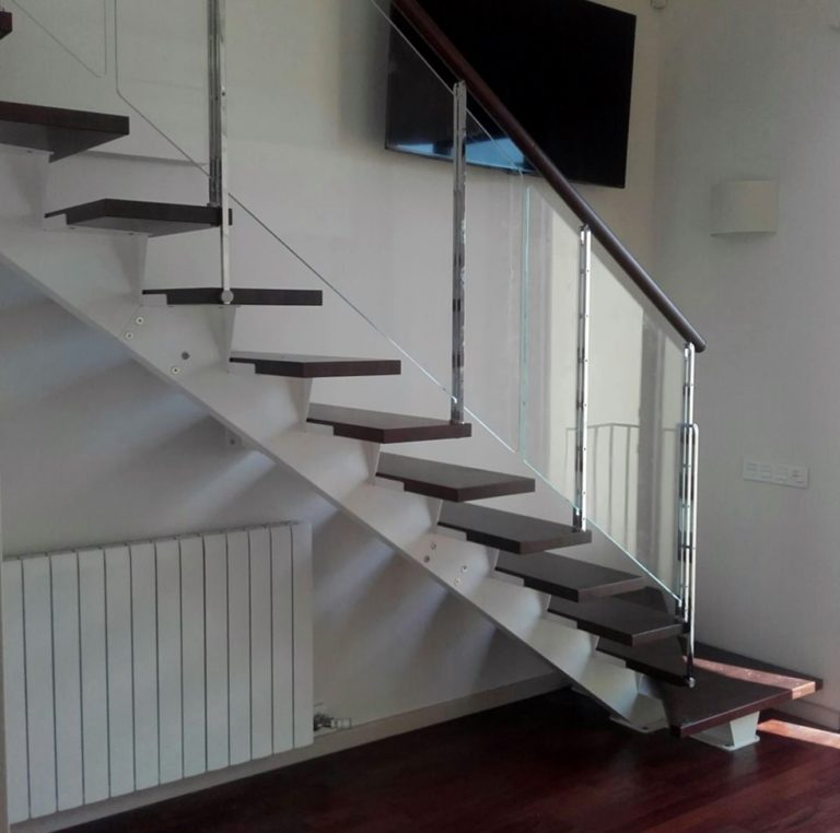 Escaleras de metal,¿prefabricadas o a medida?
