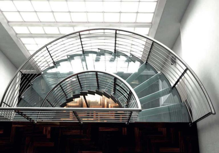 Escaleras helicoidales, amplitud y variedad de formas